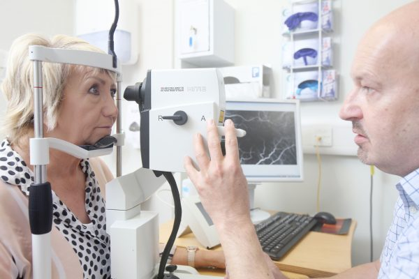 Ground-breaking ophthalmology trial has its eye on Bradford recruits