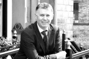 Dr Conrad Beckett