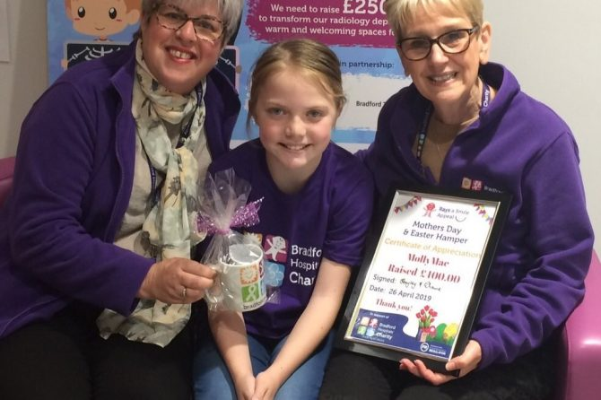 Fundraiser Molly-Mae helps to 'Rays A Smile' at Bradford Royal Infirmary