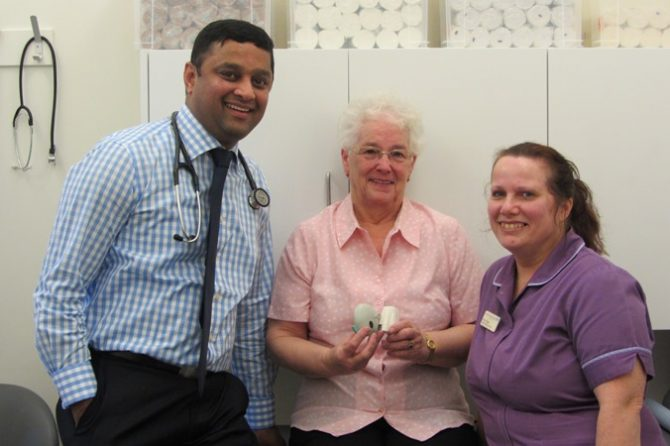 Respiratory consultant Dinesh receives top national research award