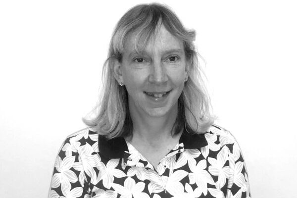 Dr Sue Calvert
